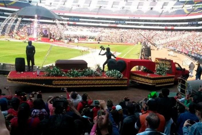 Así está el Estadio Azteca para despedir a Chespirito.